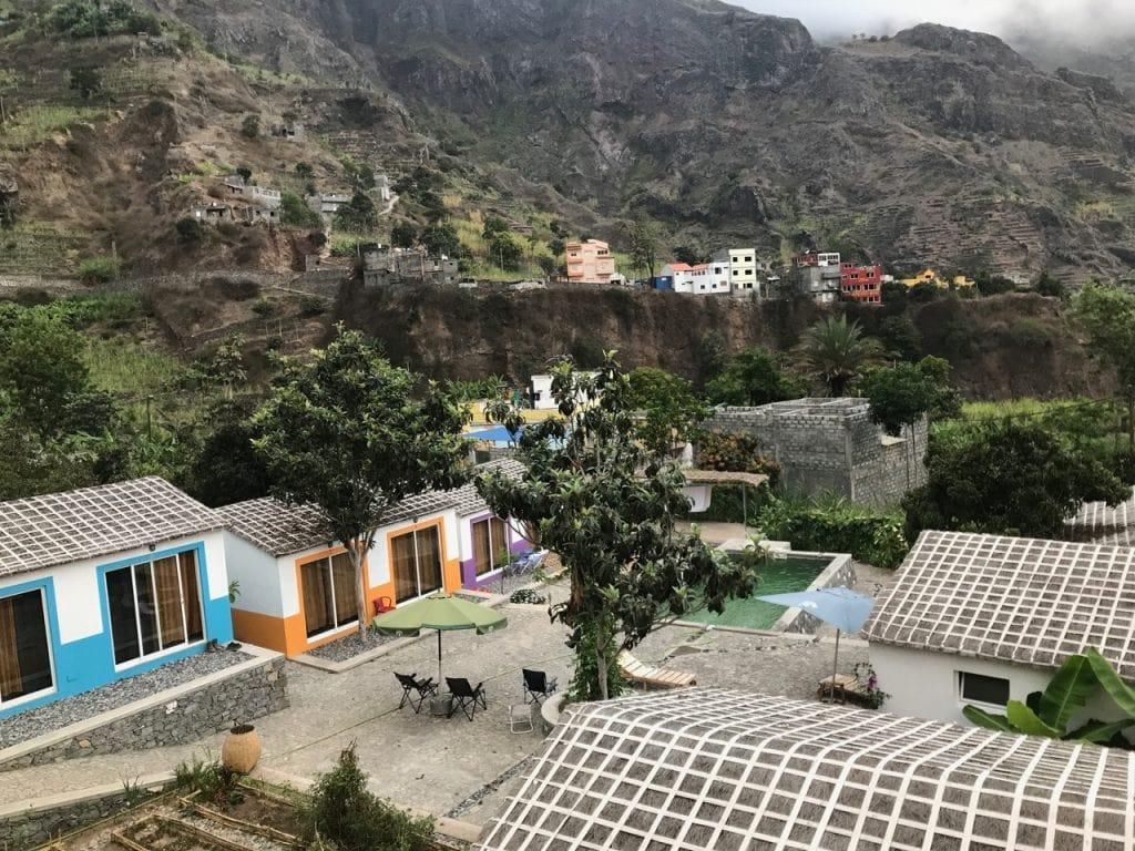 I bungalow e la piscina di Casa Maracuja