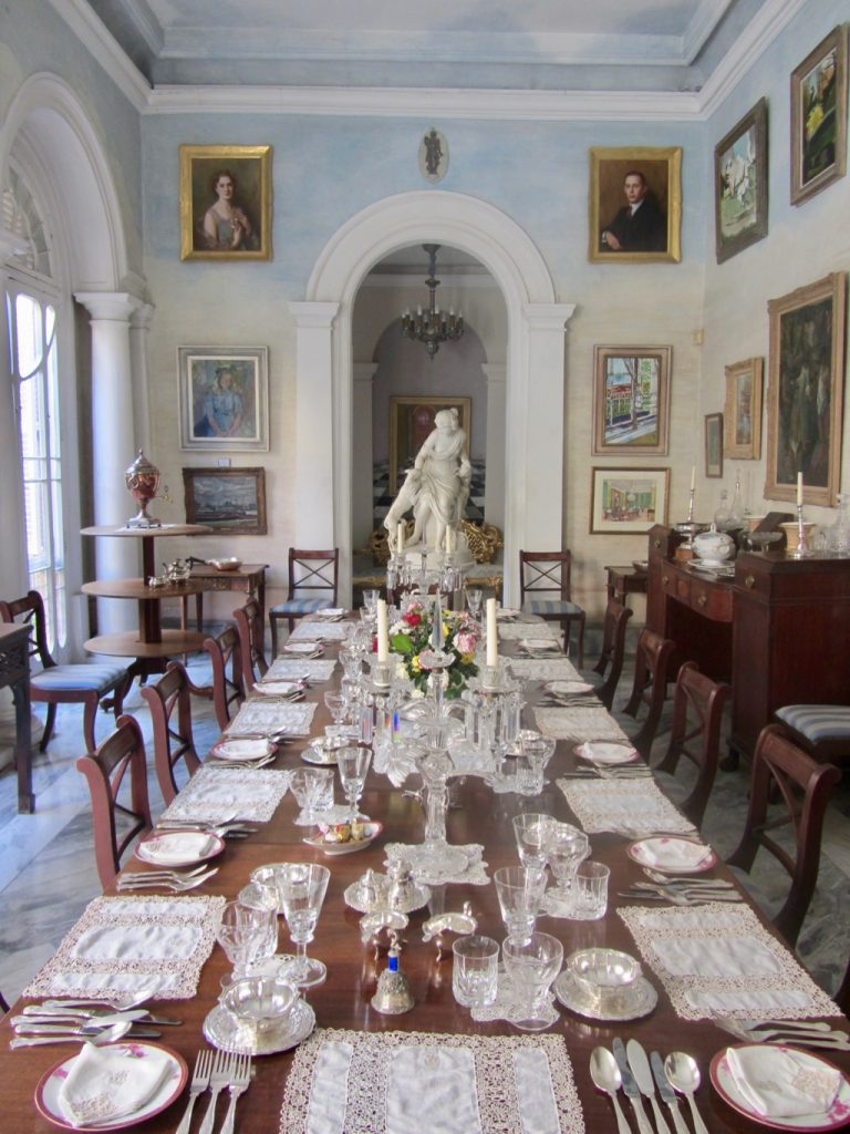 Una tavola apparecchiata a Casa Rocca Piccola, Valletta