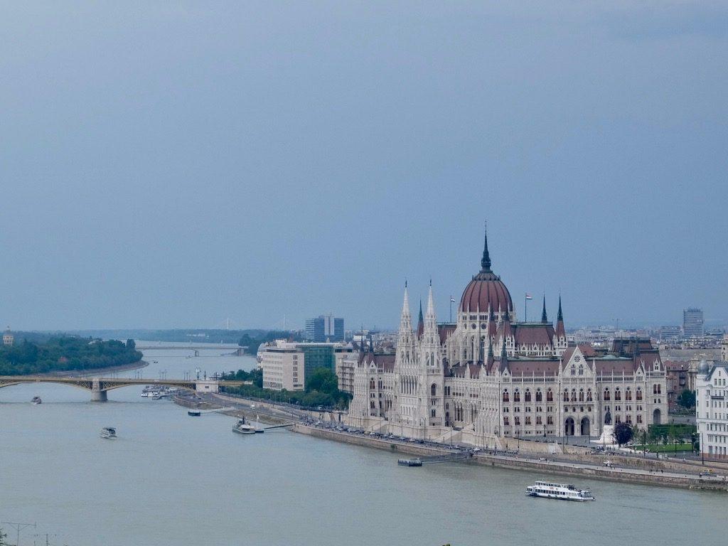 Il Parlamento di Budapest visto da Buda
