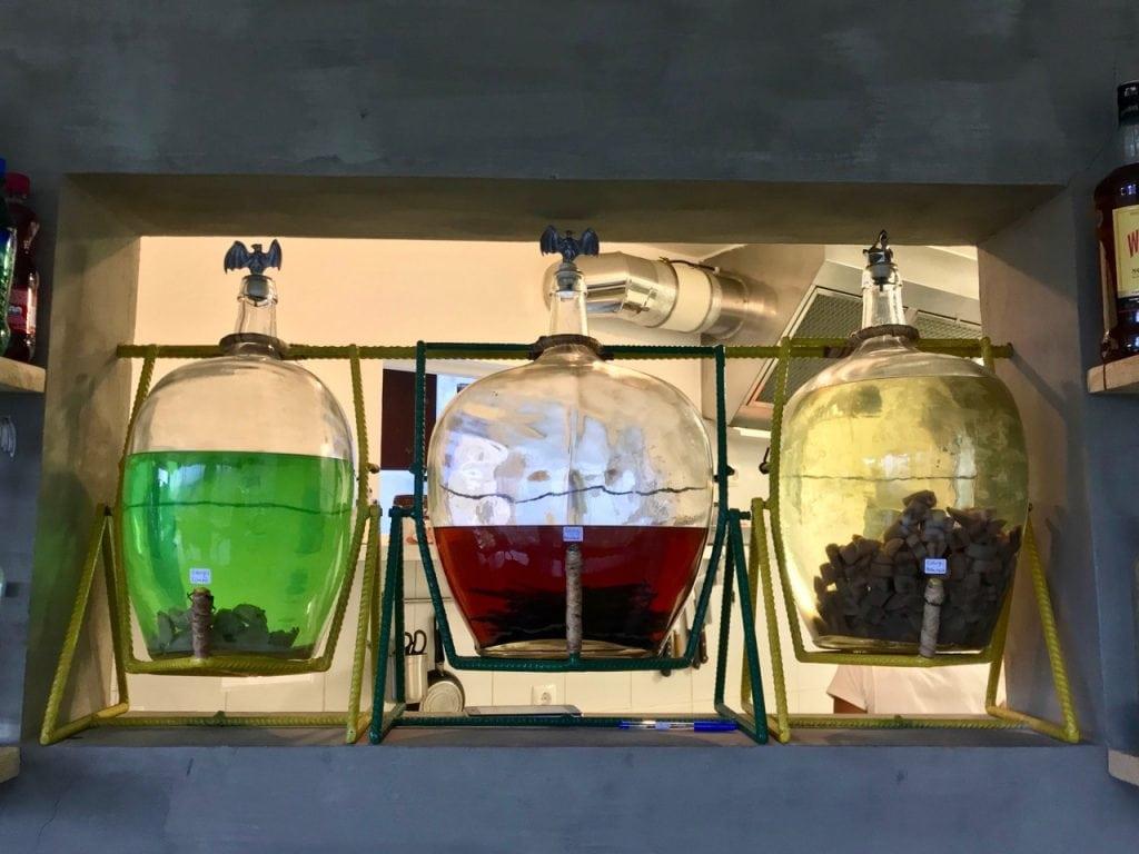 Tre tipi di grogue in tre ampolle