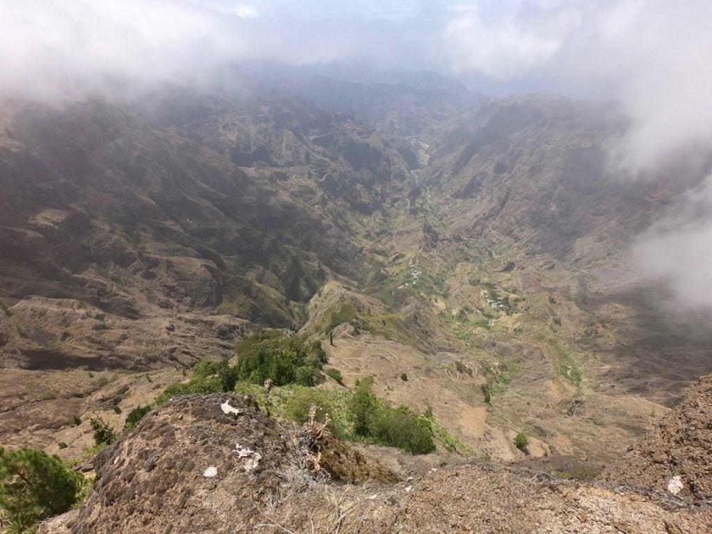 Vista dall'alto su Xoxo e la valle di Ribeira de Torre