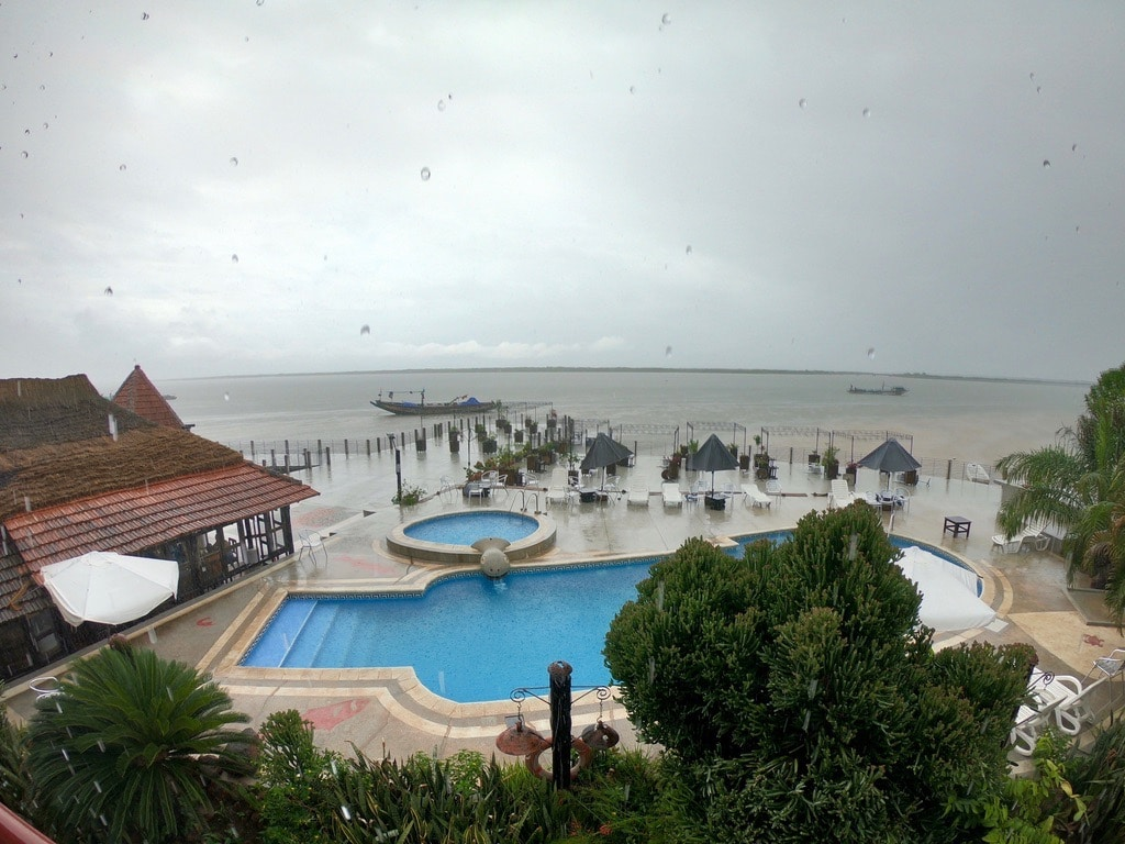 La piscina del Kadiandoumagne in riva al fiume a Ziguinchor