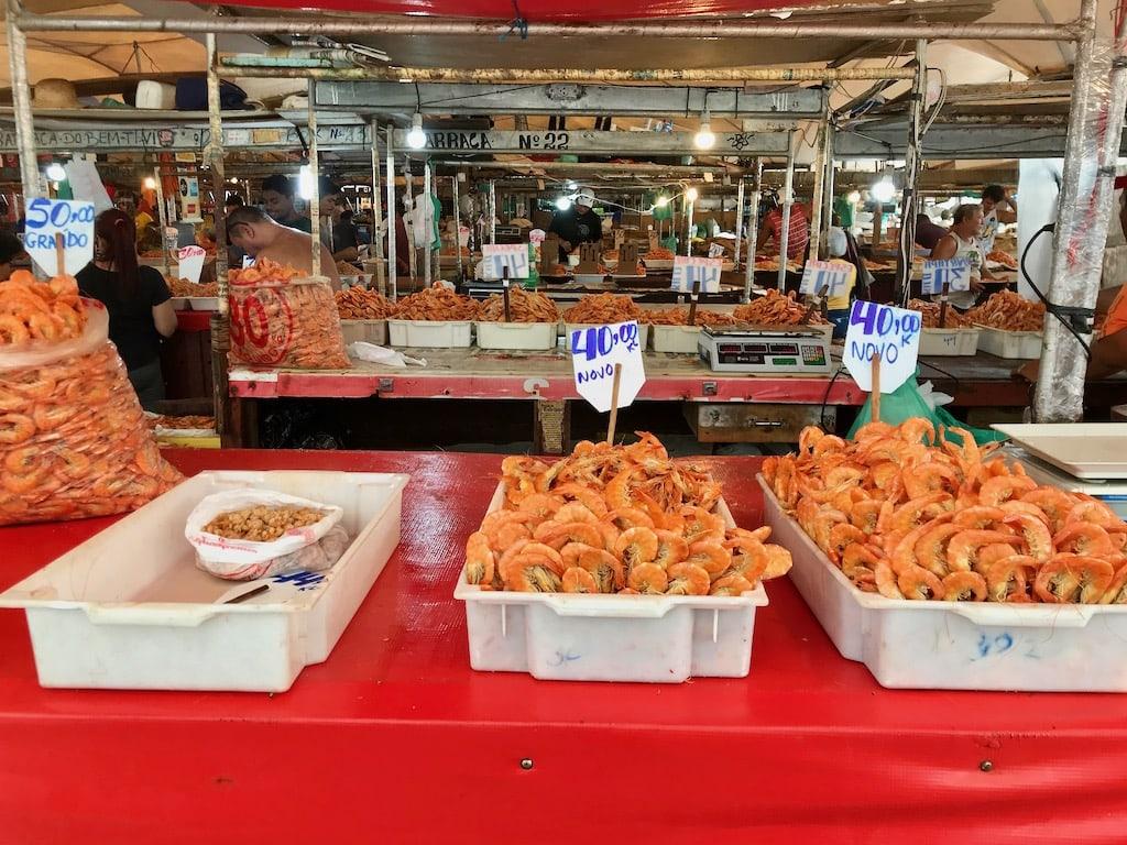 Gamberetti in vendita al mercato di Belem