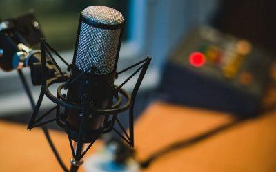 I migliori podcast per cooperanti